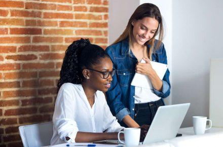 empresas de cartão de crédito atraem clientes pelas redes sociais